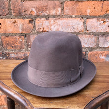 Load image into Gallery viewer, Vintage Brown Felted Hat