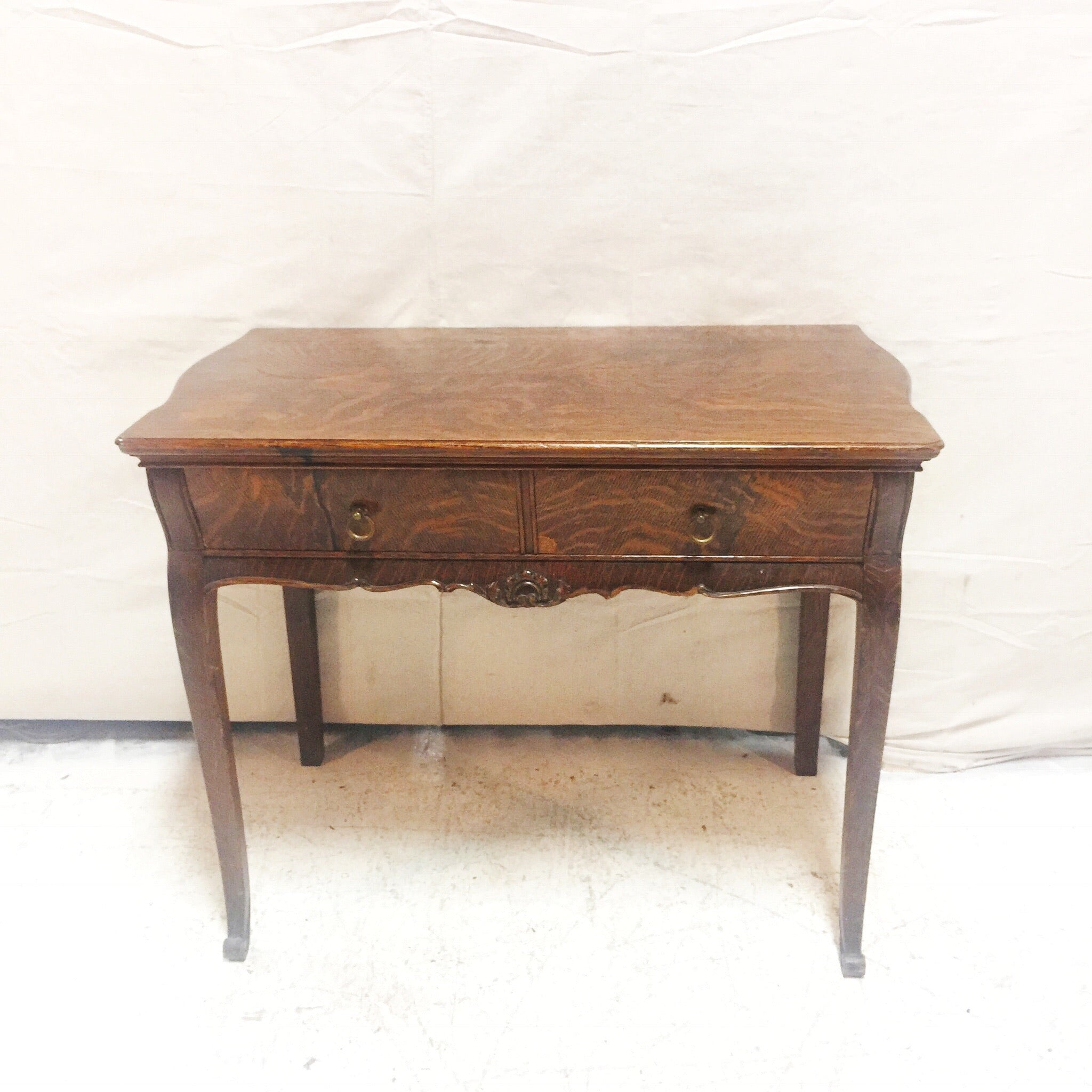 Picture of: Antique Oak Console Table With Drawers The Pale Blue Dot