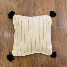 Load image into Gallery viewer, Cotton Handloomed Throw with Cushion Cover