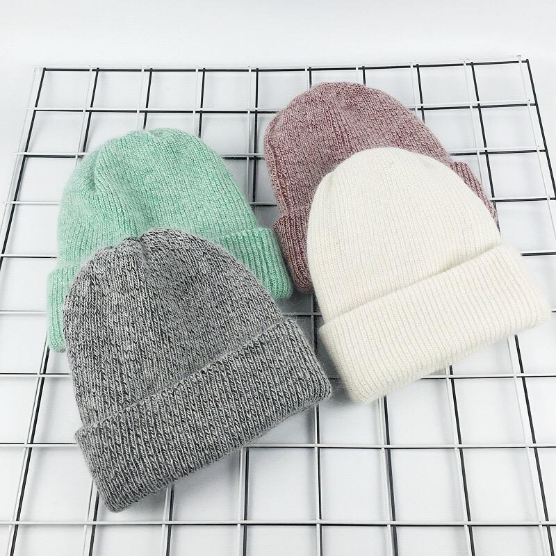 Brand Name: MAOMAO FUR M Material: Wool Material: Polyester Material: COTTON Material: Rabbit. Department Name: Adult Gender: Women Style: Casual Model Number: WF-2017ZKP-001 Pattern Type: Solid Item Type: Skullies & Beanies Material: Angola ,wool blend Season: Winter ,Autumn Gender: Women , Female, Ladies, Girls