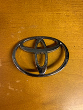Load image into Gallery viewer, OEM Front Bumper Toyota Emblem