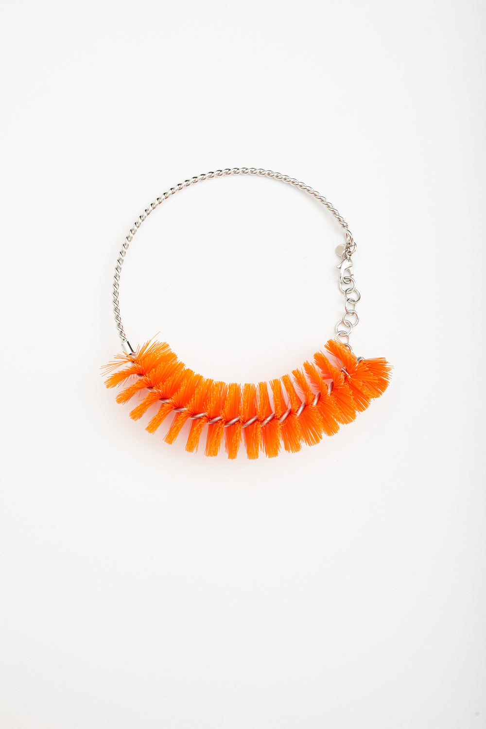 Studio Avra - ROUND NECKLACE - ORANGE