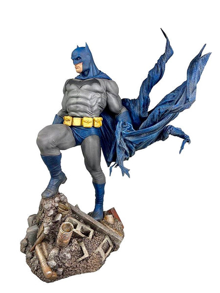 DC GALLERY BATMAN DEFIANT STATUE October 2020 Release Pre-Sale