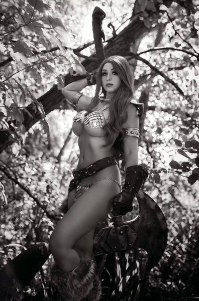 RED SONJA THE SUPERPOWERS #1 SET OF 2 1:11 B&W & 1:35 Cosplay Virgin