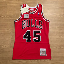 Load image into Gallery viewer, Michael Jordan Chicago Bulls Authentic Mitchell & Ness Jersey