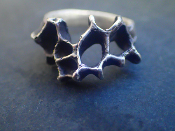 Wild Honeycomb Ring. Silver.-Jewellery-Beca Beeby