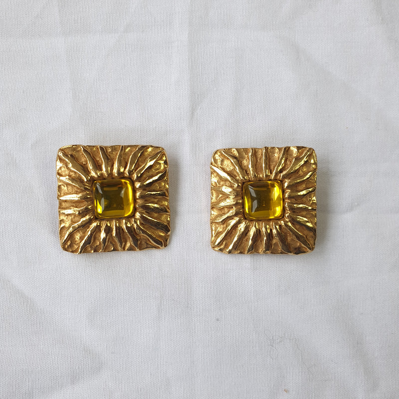 Boucles d'oreilles clips Yves Saint Laurent - TFT VINTAGE SHOP