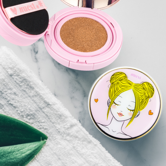Chic2Cheek 3 Tiered Compact - Perfecting Trio Color Corrector - Nude Light
