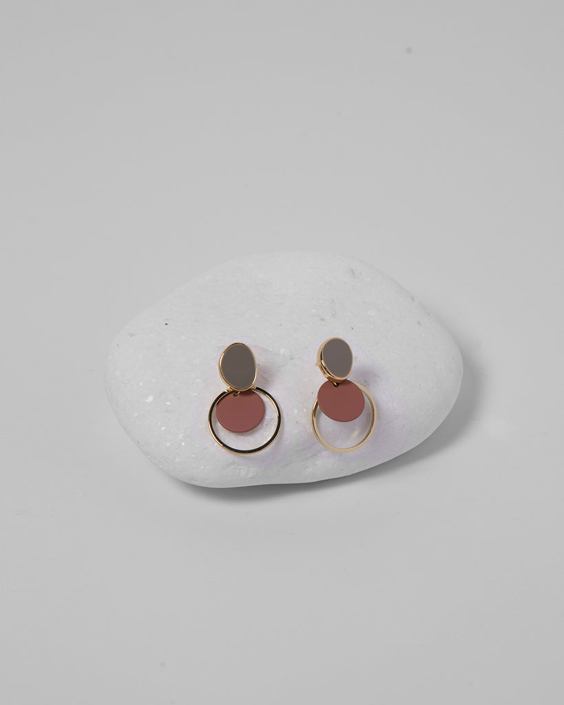ACRYLIC ROUND GOLD EARRINGS 2050 - حلق