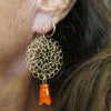 Knitted thimble earrings, orange-red|עגילים סרוגים מגולדפילד, כתום