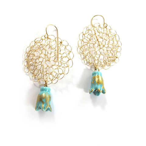 Knitted thimble earrings, aqua|עגילים סרוגים מגולדפילד, אקווה