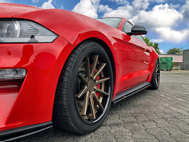 SIDE SKIRTS DIFFUSERS FORD MUSTANG MK. 6 FACELIFT