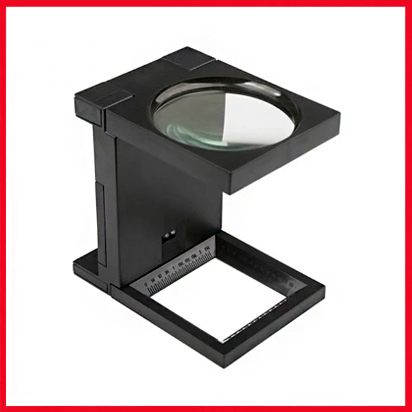 Folding Magnifier With Led Light Magnification 2.5x.