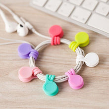 Laden Sie das Bild in den Galerie-Viewer, 3pcs/set Candy Color Silicone Magnetic Earphone Cord Winder Cable Holder Key Chain Kawaii Multifunction Office Desk Organizer