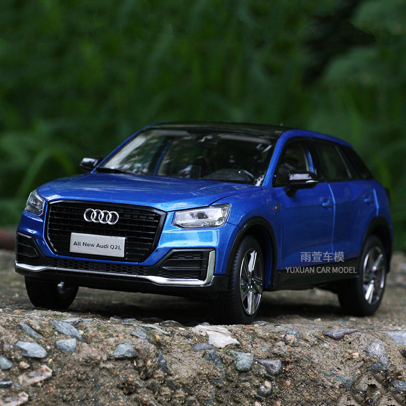 New Audi Q2l off road SUV1:18 alloy