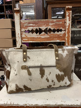 Load image into Gallery viewer, Cowhide Purse