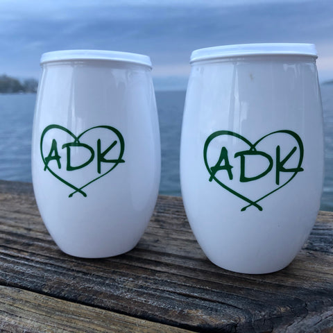 Adirondack plastic stemless wine tumbler with lid