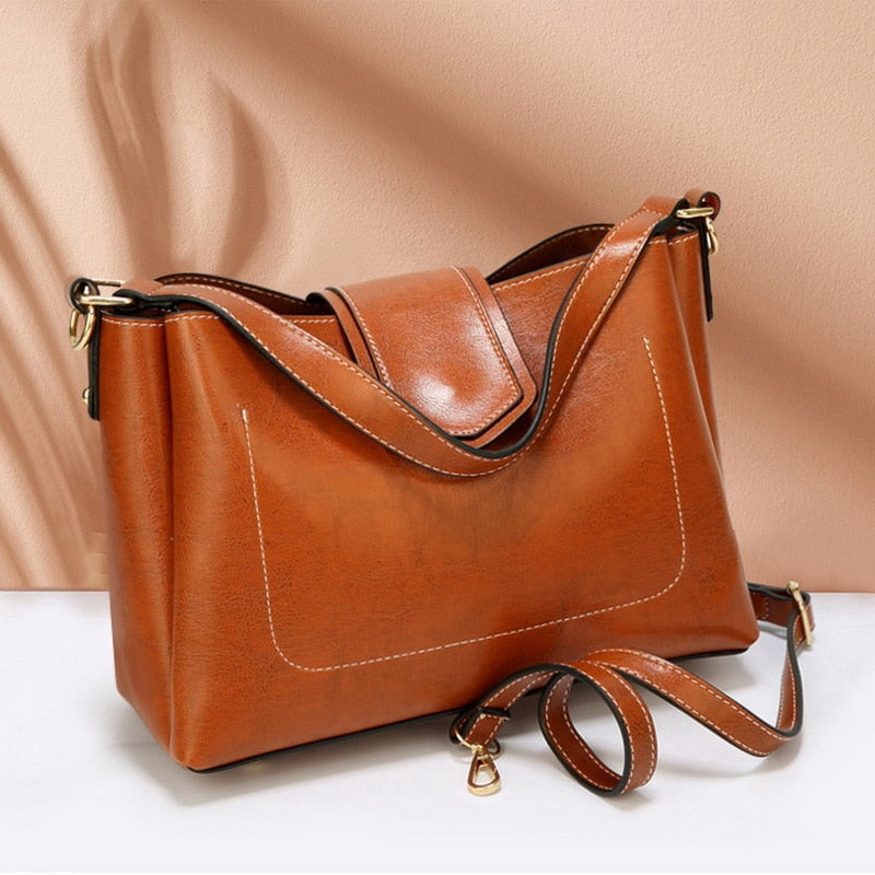 Kathryn Solid Casual Tote