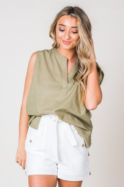 Washed Linen Henley Front Top in Olive