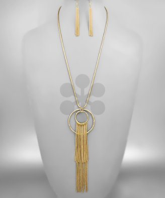 Fringed Circle Necklace in Gold