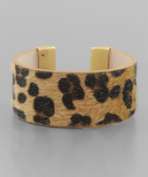 Animal Skin Faux Leather Cuff in Leopard