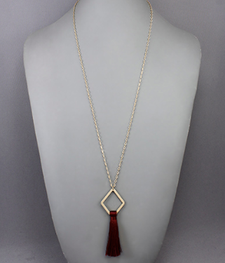 Rhombus & Tassel Necklace in Wine