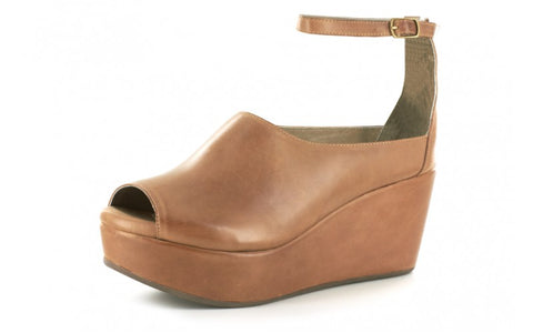 Walter in Camel Leather by Chocolat Blu
