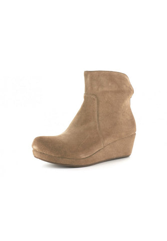 Yarden in Taupe Suede by Chocolat Blu
