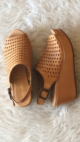 Wally in Tan Leather by Chocolat Blu