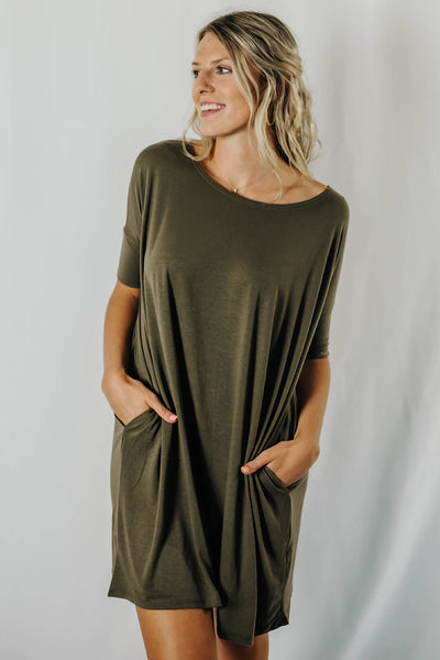 Avey Fitted Sleeve Top in Olive