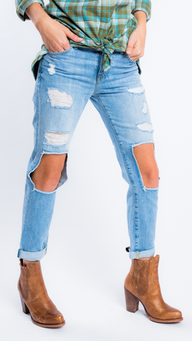 Josefina Feminine Boyfriend Jeans in CPD2 by 7 For All Mankind