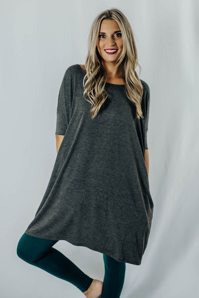 Avey Fitted Sleeve Top in Charcoal