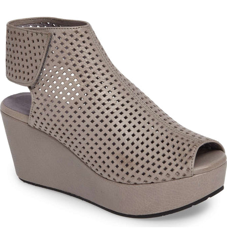 Wing in Grey Leather by Chocolat Blu