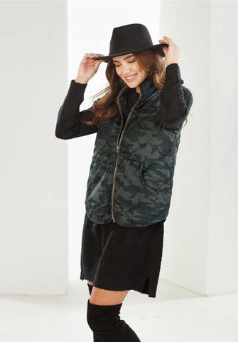 Brodie Quilted Camo Vest - Bella Bea Boutique