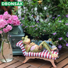 Load image into Gallery viewer, Frog Decoration Resin Frog Garden Sculpture Animal Sculpture Home Office Desktop Garden Courtyard Decoration Gardening Ornament