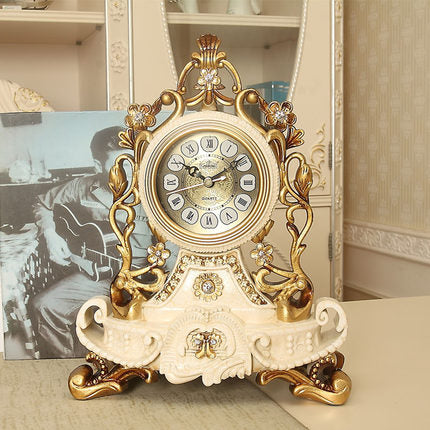 Hot Luxury European Table Clock Home Decoration Resin Desk Clock Bedroom Office Desktop Clock Desk Royalty Home Watch Table