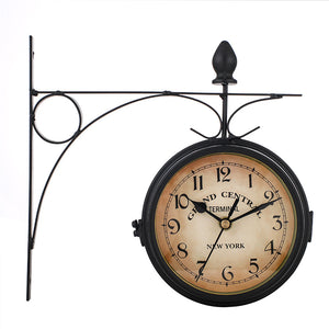 Antique Iron Clock Wall Mount Clock Garden Hallway Outdoor Station Double Sided Mute Clocks Vintage Decorative Living Room Craft