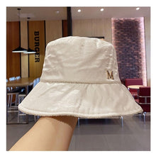 Load image into Gallery viewer, Pearlescent fabric Rhinestone chain leisure lady bucket cap women fashion hat
