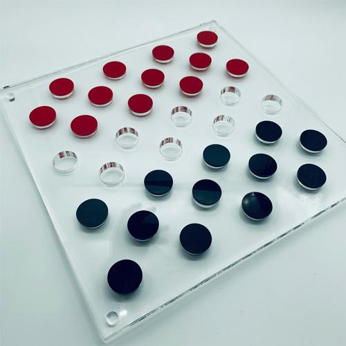 Game - checkers - blue and red