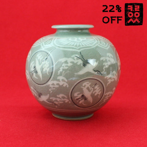 Porcelain_Jar_of_Celadon_Pottery_Crane_Cloud_Home_Decoration_Artwork_Korean_Essentials