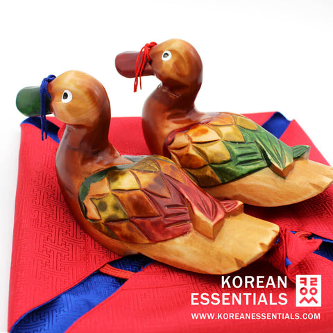Hand-carved Wedding Duck: Tortoise Pattern