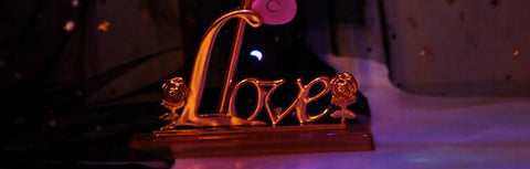 Love Base Stand Galaxy Rose