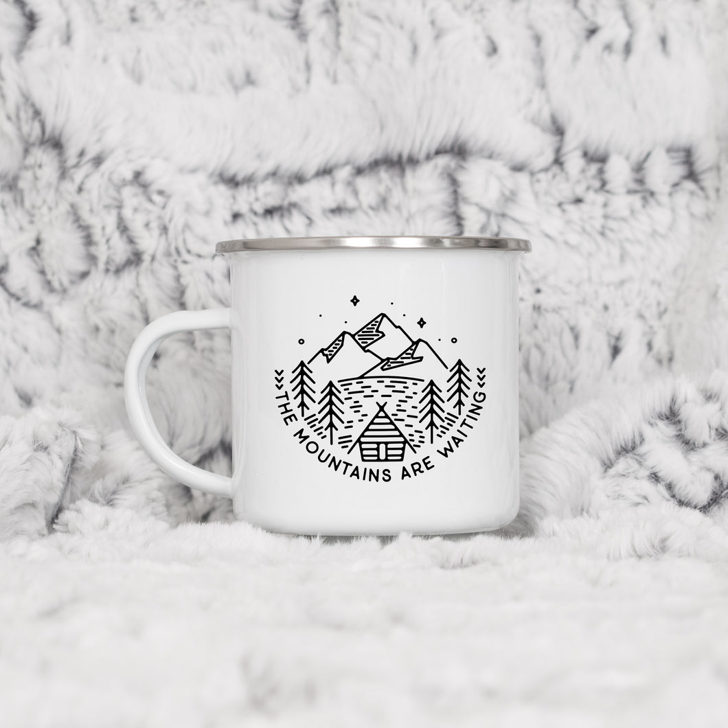The Mountains Are Waiting - Enamel Mug - Sovende Bjorn