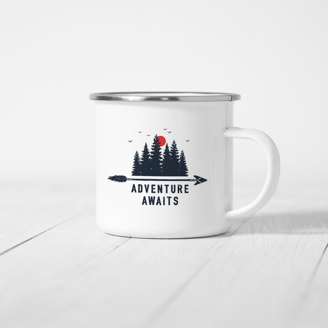 Adventure Awaits - Enamel Mug - Sovende Bjorn
