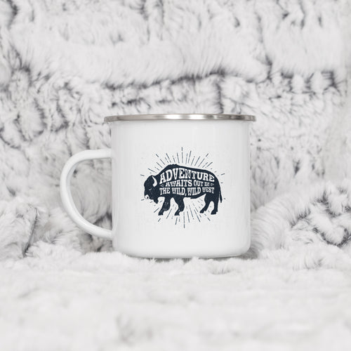 Adventure Awaits out in the Wild Wild West - Enamel Mug - Sovende Bjorn