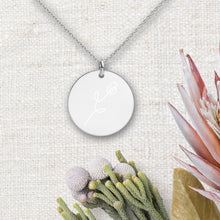 Load image into Gallery viewer, Flower Round Pendant Necklace - Sovende Bjorn