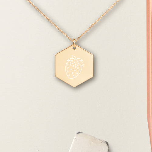 Strawberry Hexagon Pendant Necklace - Sovende Bjorn