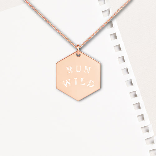 Run Wild Hexagon Pendant Necklace - Sovende Bjorn