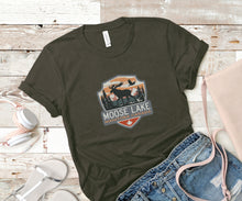 Load image into Gallery viewer, Moose Lake Soft Casual Tee - Sovende Bjorn