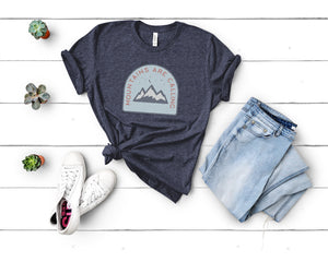 Mountains Are Calling Soft Casual Tee - Sovende Bjorn